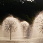 500px-Fountain_in_a.park